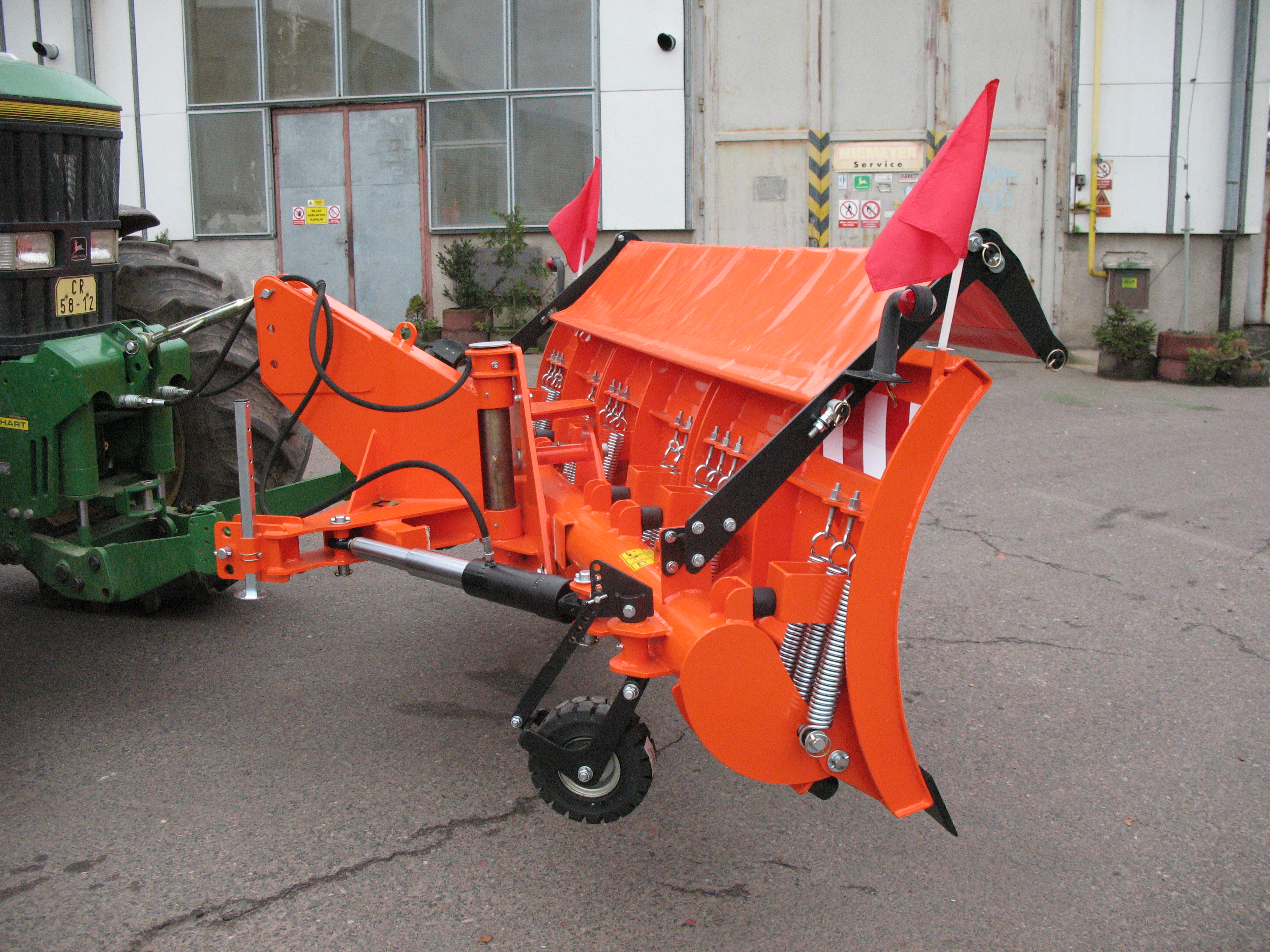 Spring-loaded plough OR-T